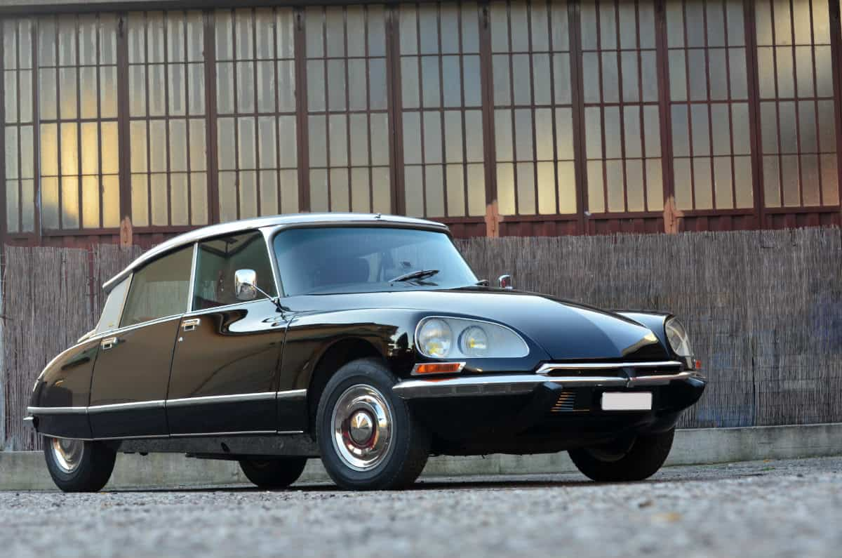 iconic cars of the 60's - Citroën DS