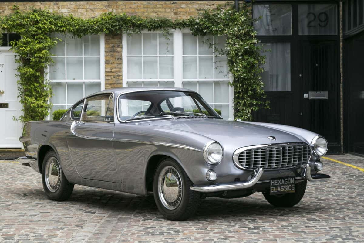 iconic cars of the 60's - 1963 Volvo P1800