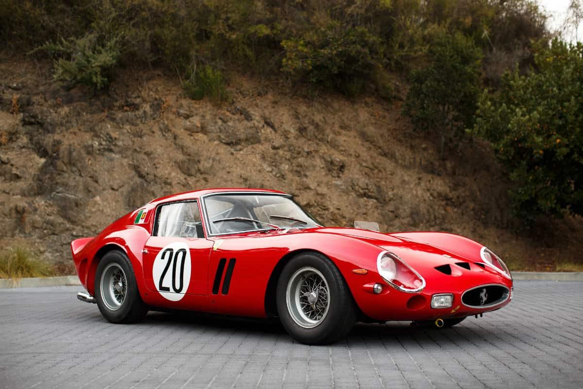 iconic cars of the 60's - Ferrari 250 GTO