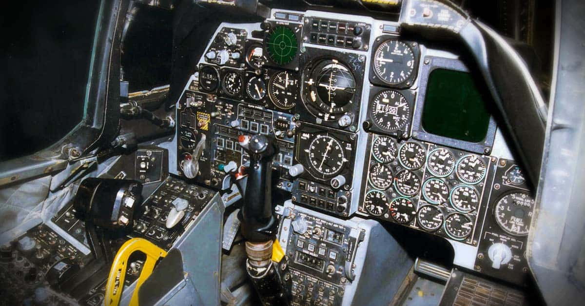 A-10_Fairchild Republic A-10A Thunderbolt II cockpit