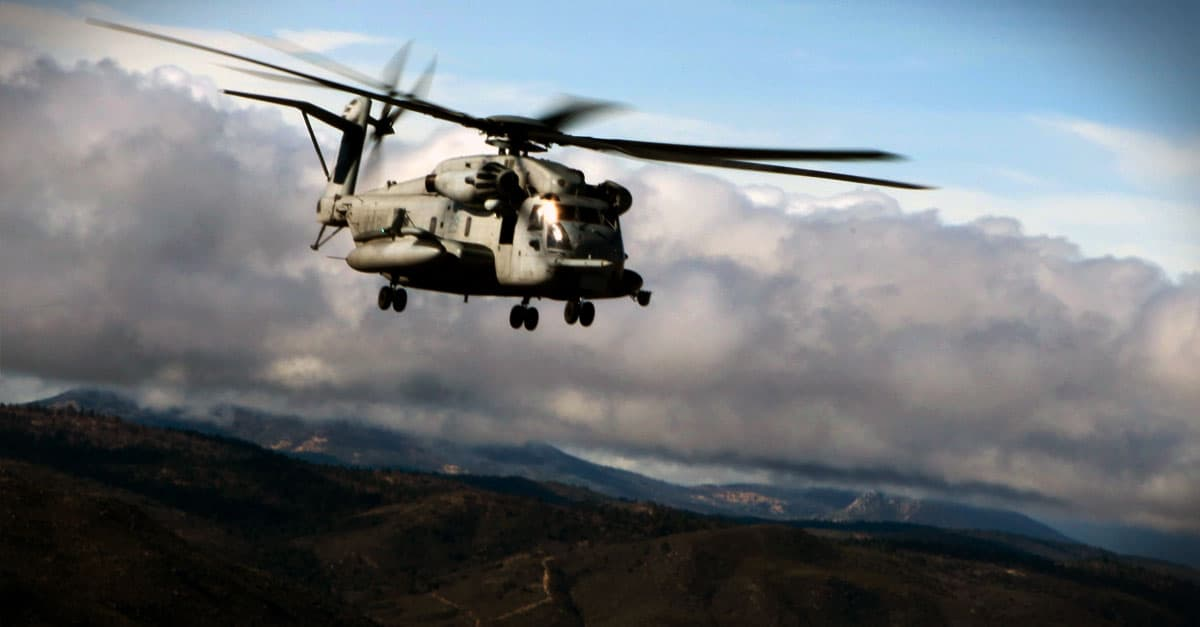 CH-53E_A CH-53E Super Stallion flies in formation during a flight in El Centro, Calif