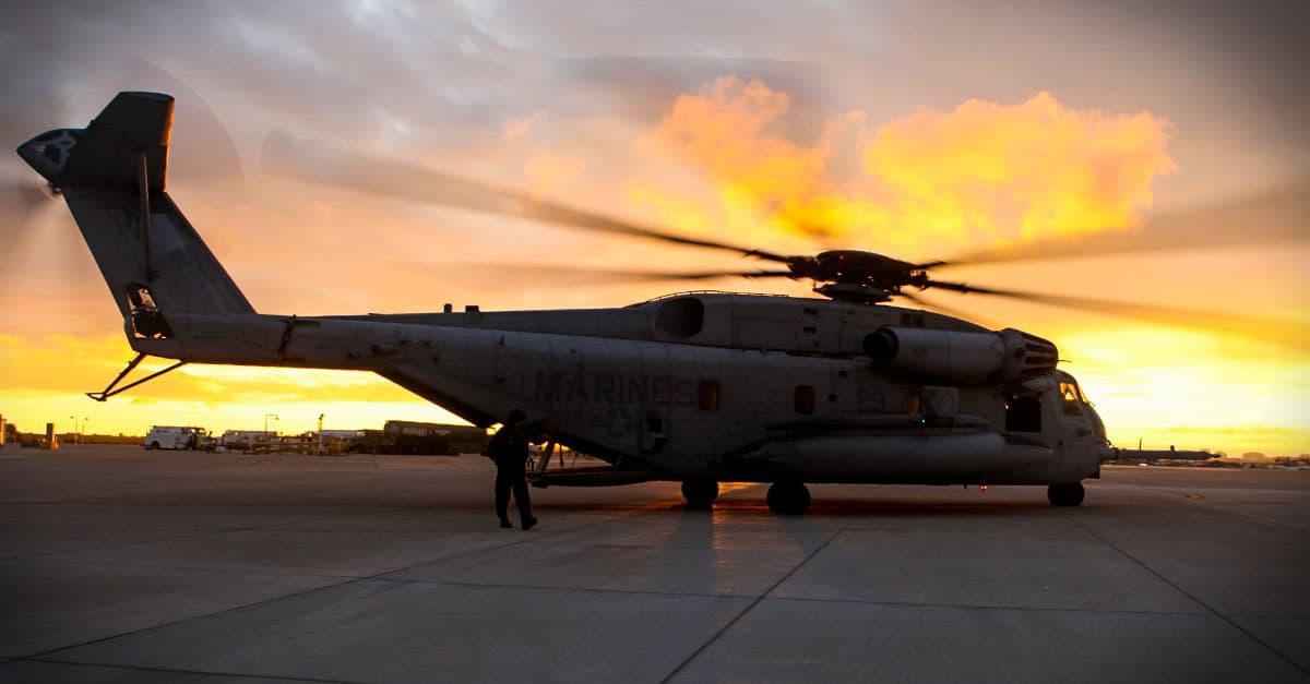 CH-53E_A CH-53E Super Stallion lands aboard Marine Corps Air Station Miramar, Calif