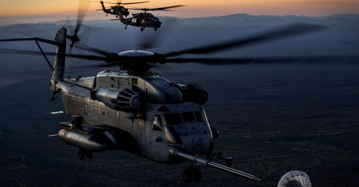 CH-53E_CH-53E & MH-60M conduct an aerial refueling exercise in support of Weapons and Tactics Instructor course