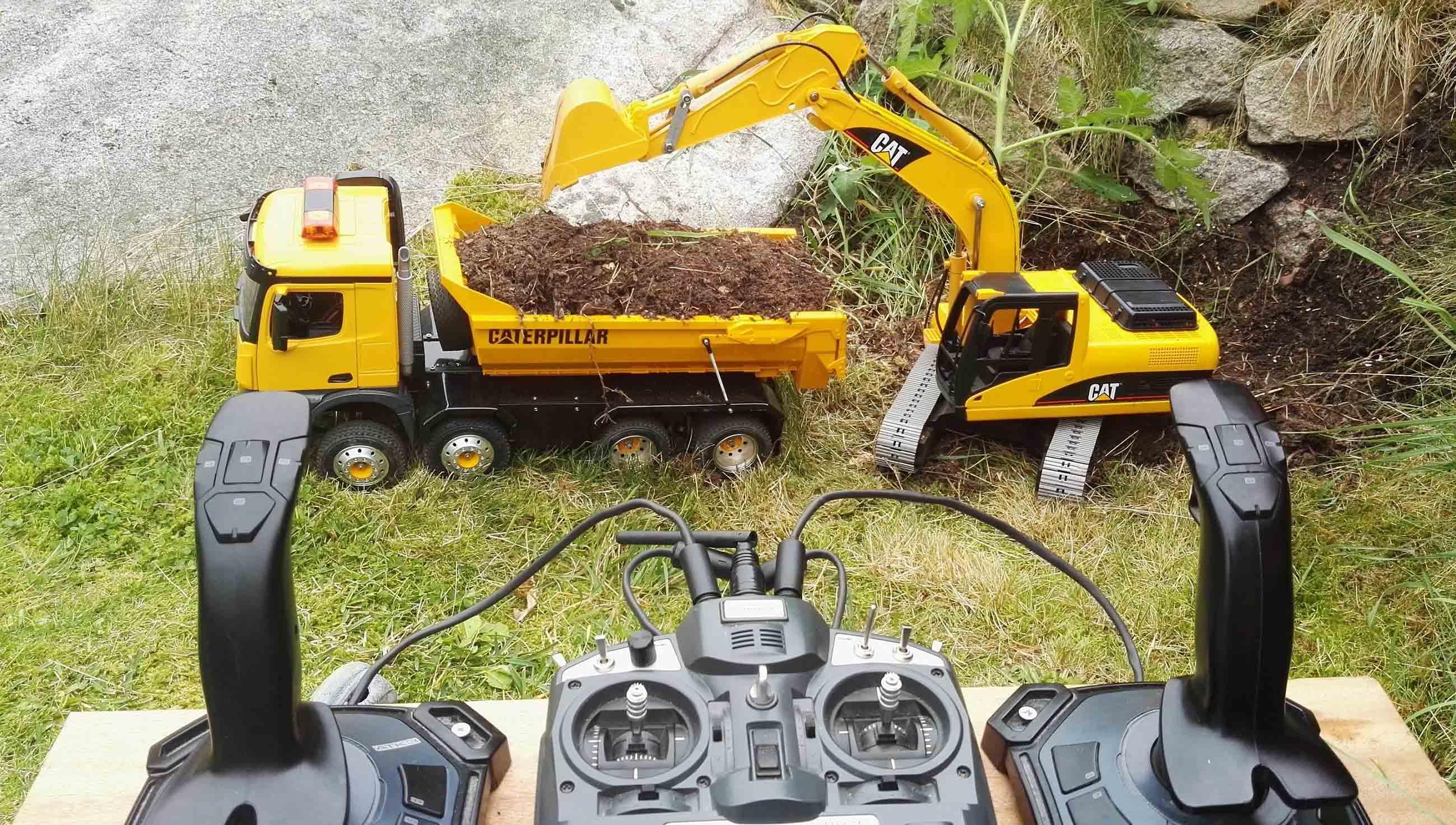 RC Excavator CAT Joysticks