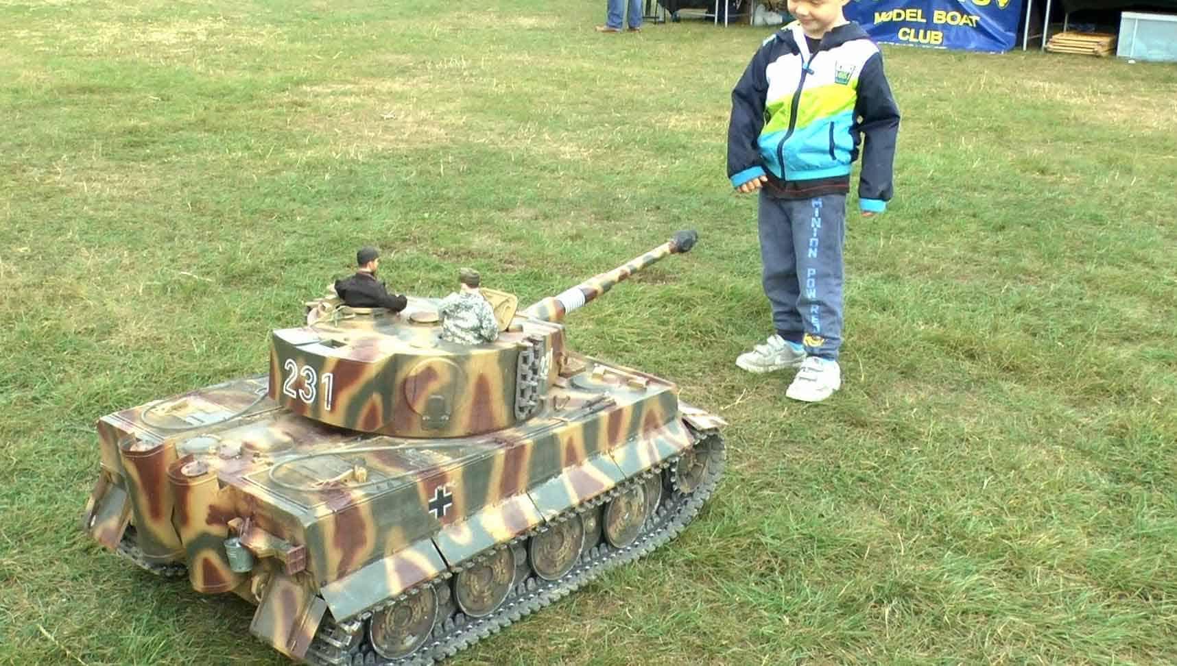 RC Tank 2