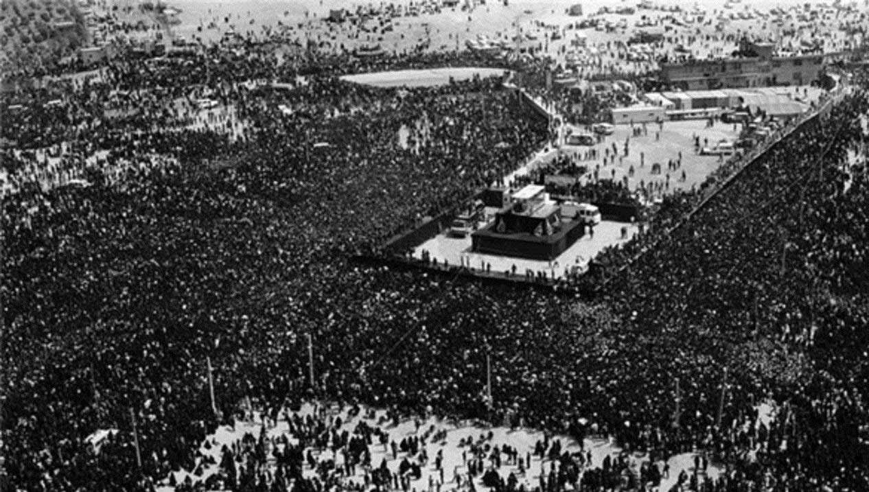 Funeral-of-Ruhollah-Khomeini-1989