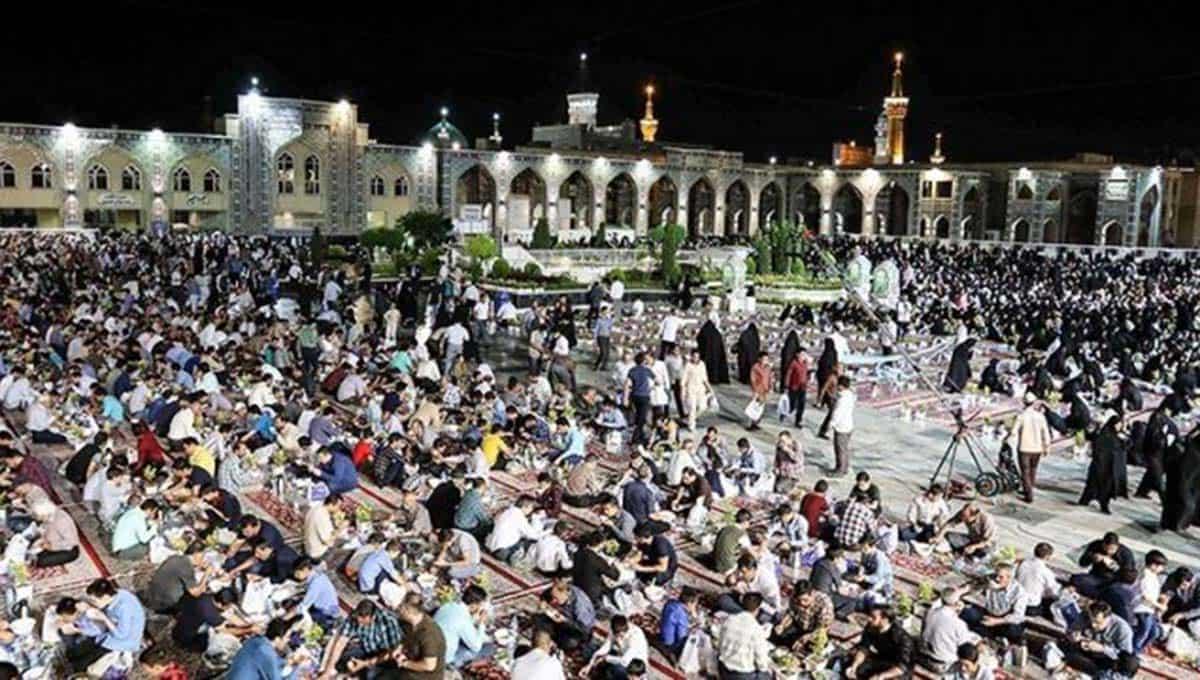 Imam-Reza-shrine-Iran-on-Ramadan-2013