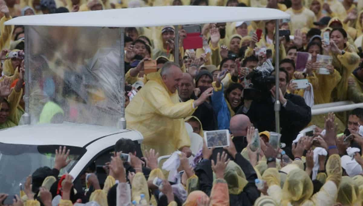 Pope-Francis-in-the-Philippines