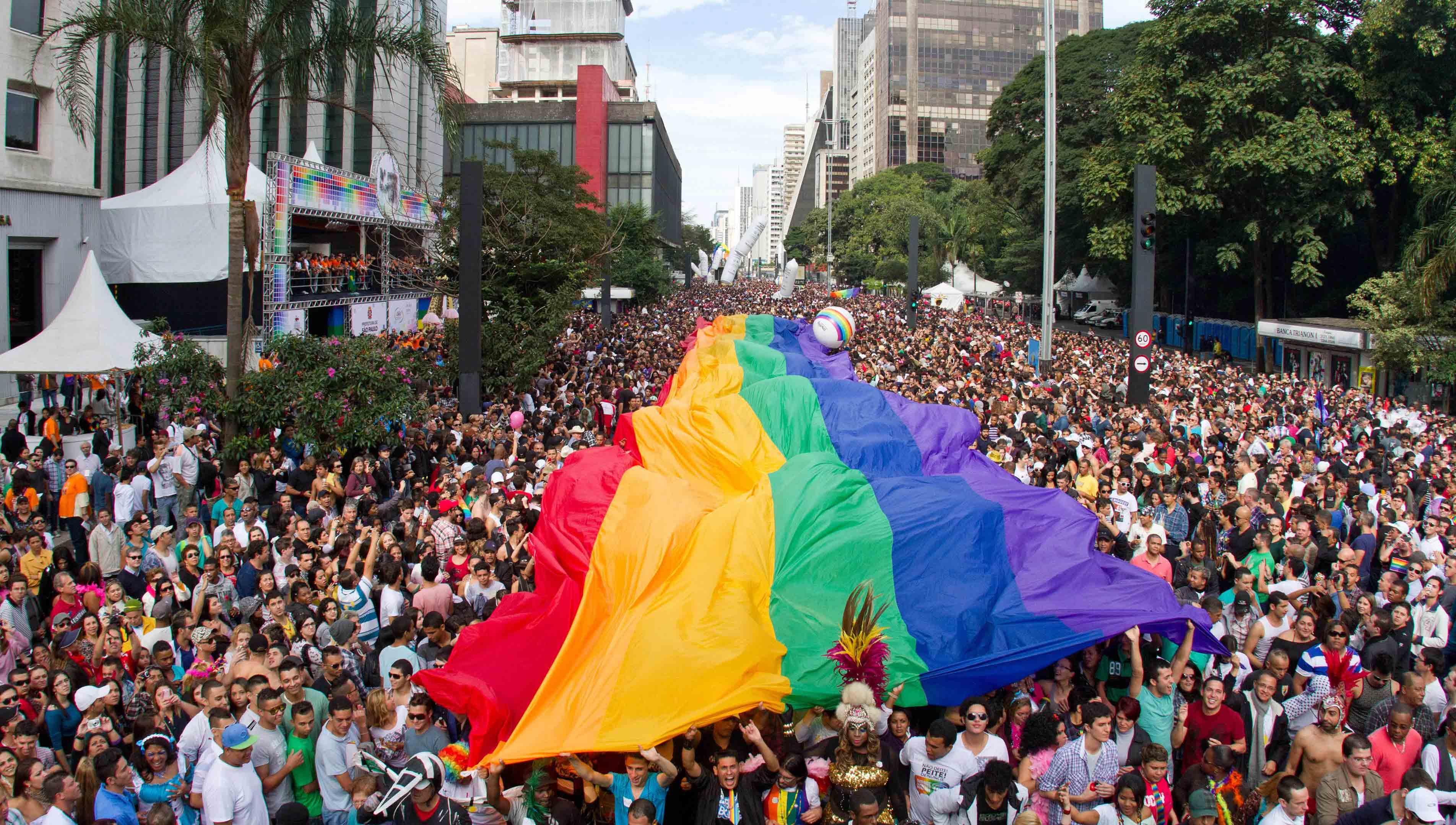 São-Paulo-Gay-Pride-Parade-2006