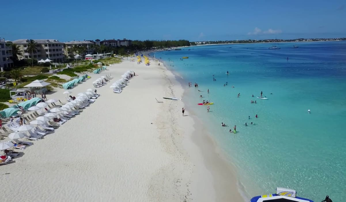 Grace Bay(REMAX Real Estate Turks and Caicos)